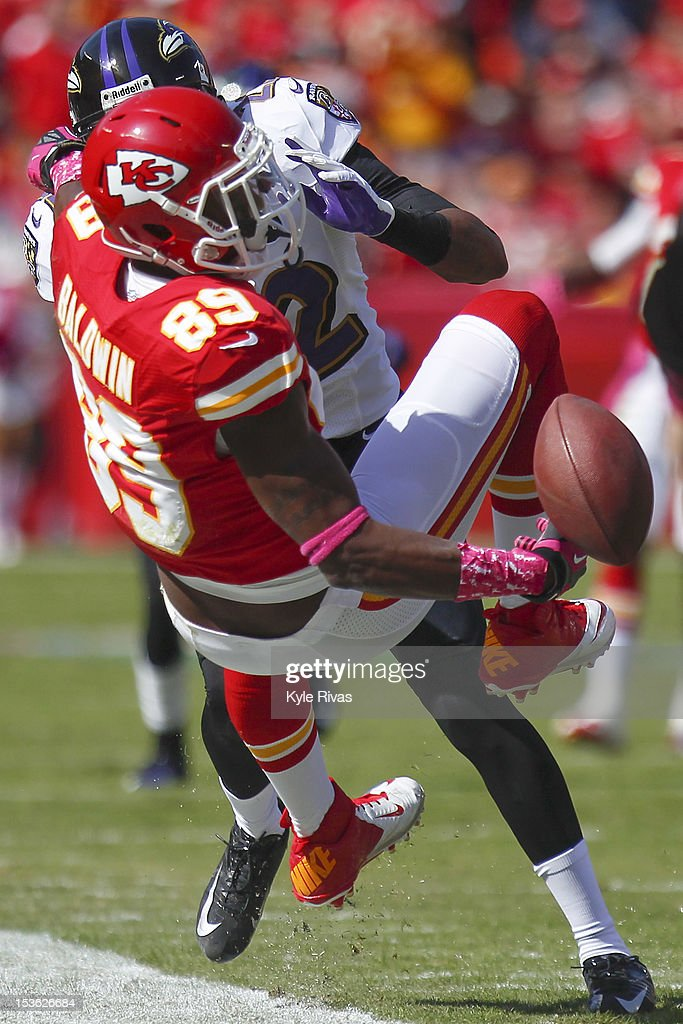 Jon Baldwin #89 of the Kansas City Chiefs the a ball batted away by Jimmy Smith #22 of the Baltimore Ravens early in the fourth quarter on October 07, 2012 at Arrowhead Stadium in Kansas City, Missouri.
