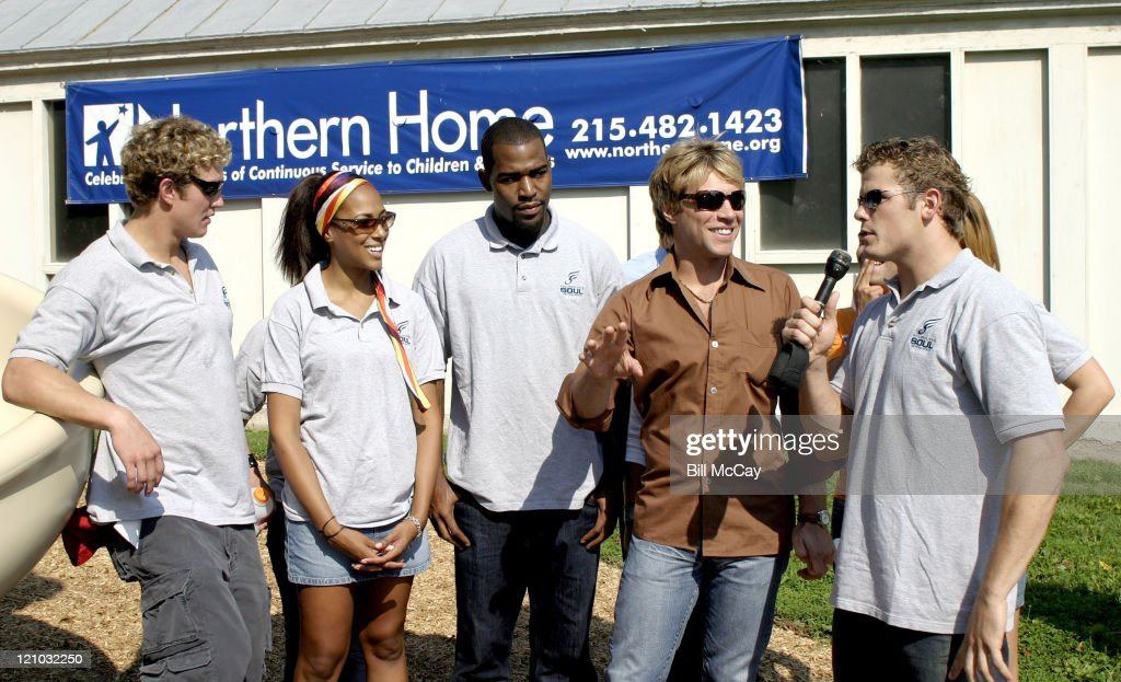 Jon Bon Jovi, co-owner of Philadelphia Soul, shares a few laughs with some of the cast members of MTV's 'Real World: Philadelphia'