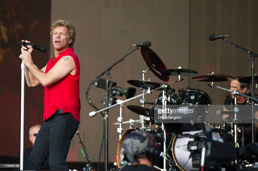 <a gi-track='captionPersonalityLinkClicked' href=/galleries/search?phrase=Jon+Bon+Jovi&family=editorial&specificpeople=201527 ng-click='$event.stopPropagation()'>Jon Bon Jovi</a> of Bon Jovi performs on stage at British Summer Time Festival at Hyde Park on July 5, 2013 in London, England.