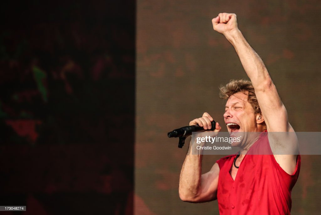 <a gi-track='captionPersonalityLinkClicked' href=/galleries/search?phrase=Jon+Bon+Jovi&family=editorial&specificpeople=201527 ng-click='$event.stopPropagation()'>Jon Bon Jovi</a> of Bon Jovi performs on stage at British Summertime Festival at Hyde Park on July 5, 2013 in London, England.