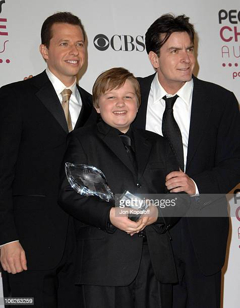 Jon Cryer Angus T Jones and Charlie Sheen of 'Two and a Half Men' winner Favorite TV Comedy