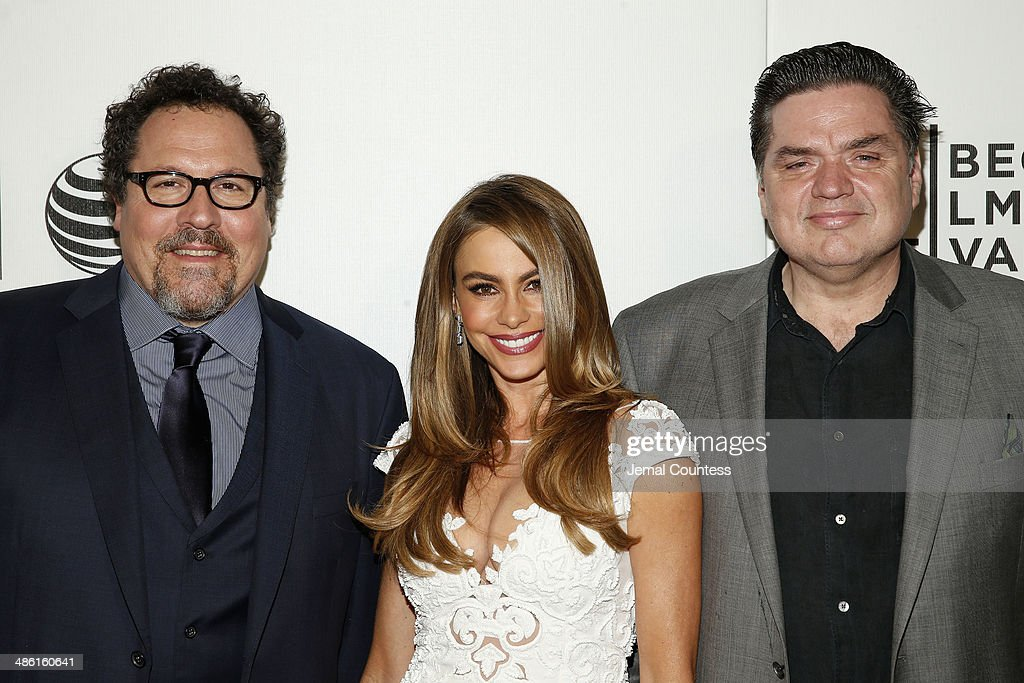 <a gi-track='captionPersonalityLinkClicked' href=/galleries/search?phrase=Jon+Favreau&family=editorial&specificpeople=239483 ng-click='$event.stopPropagation()'>Jon Favreau</a>, <a gi-track='captionPersonalityLinkClicked' href=/galleries/search?phrase=Sofia+Vergara&family=editorial&specificpeople=214702 ng-click='$event.stopPropagation()'>Sofia Vergara</a> and <a gi-track='captionPersonalityLinkClicked' href=/galleries/search?phrase=Oliver+Platt&family=editorial&specificpeople=227248 ng-click='$event.stopPropagation()'>Oliver Platt</a> attend the 'Chef' Premiere during the 2014 Tribeca Film Festival at BMCC Tribeca PAC on April 22, 2014 in New York City.