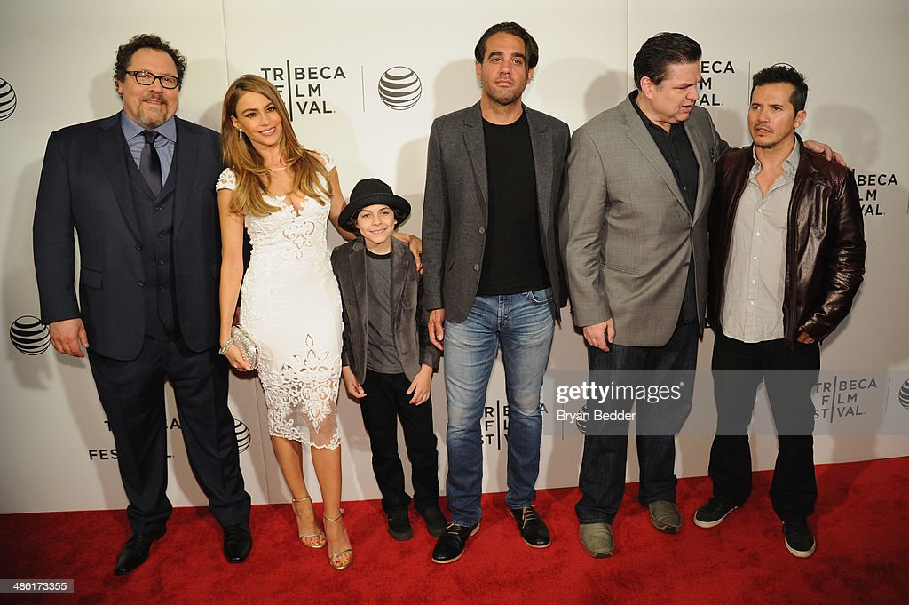 """<a gi-track='captionPersonalityLinkClicked' href=/galleries/search?phrase=Jon+Favreau&family=editorial&specificpeople=239483 ng-click='$event.stopPropagation()'>Jon Favreau</a>, <a gi-track='captionPersonalityLinkClicked' href=/galleries/search?phrase=Sofia+Vergara&family=editorial&specificpeople=214702 ng-click='$event.stopPropagation()'>Sofia Vergara</a>, Emjay Anthony, <a gi-track='captionPersonalityLinkClicked' href=/galleries/search?phrase=Bobby+Cannavale&family=editorial&specificpeople=211166 ng-click='$event.stopPropagation()'>Bobby Cannavale</a>, <a gi-track='captionPersonalityLinkClicked' href=/galleries/search?phrase=Oliver+Platt&family=editorial&specificpeople=227248 ng-click='$event.stopPropagation()'>Oliver Platt</a> and <a gi-track='captionPersonalityLinkClicked' href=/galleries/search?phrase=John+Leguizamo&family=editorial&specificpeople=167163 ng-click='$event.stopPropagation()'>John Leguizamo</a> attend the """"Chef"""" world premiere exclusively for American Express card members on April 22, 2014 in New York City."""