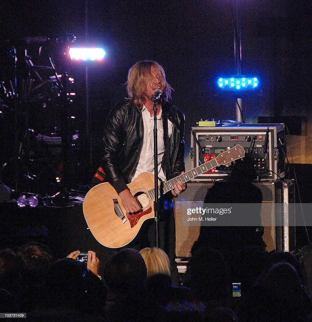 <a gi-track='captionPersonalityLinkClicked' href=/galleries/search?phrase=Jon+Foreman+-+Musician&family=editorial&specificpeople=208895 ng-click='$event.stopPropagation()'>Jon Foreman</a> lead singer of the group Switchfoot performs at the Greek Theater on August 29, 2010 in Los Angeles, California.