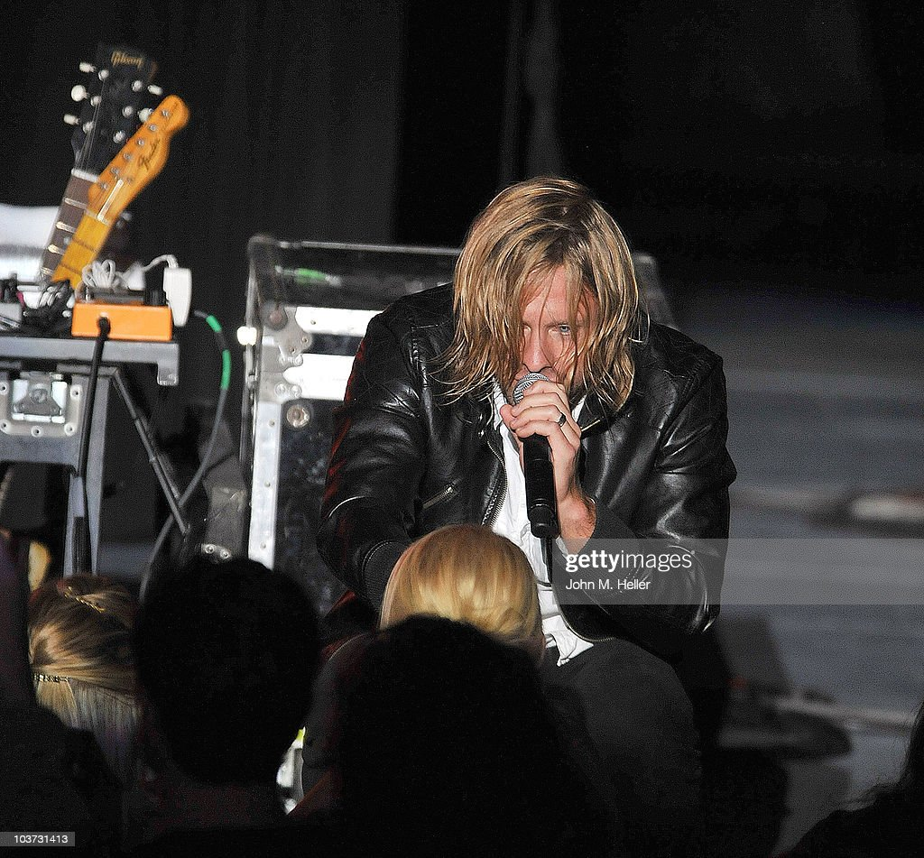 <a gi-track='captionPersonalityLinkClicked' href=/galleries/search?phrase=Jon+Foreman&family=editorial&specificpeople=208895 ng-click='$event.stopPropagation()'>Jon Foreman</a> lead singer of the group Switchfoot performs at the Greek Theater on August 29, 2010 in Los Angeles, California.