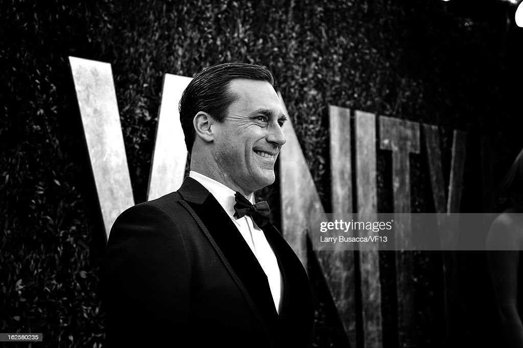 <a gi-track='captionPersonalityLinkClicked' href=/galleries/search?phrase=Jon+Hamm&family=editorial&specificpeople=3027367 ng-click='$event.stopPropagation()'>Jon Hamm</a> arrives for the 2013 Vanity Fair Oscar Party hosted by Graydon Carter at Sunset Tower on February 24, 2013 in West Hollywood, California.