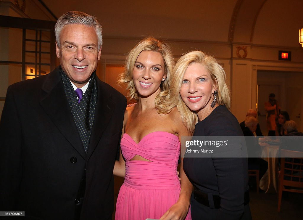 Jon Huntsman Jr., Mary Anne Huntsman and Mary Kaye ... Mary Anne Huntsman Josh Groban