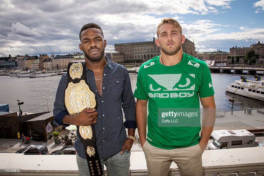 <a gi-track='captionPersonalityLinkClicked' href=/galleries/search?phrase=Jon+Jones+-+Mixed+Martial+Artist&family=editorial&specificpeople=8928306 ng-click='$event.stopPropagation()'>Jon Jones</a> and Alexander Gustafsson (R) pose infront of the Swedish Royal Castel at a UFC press tour event on August 01, 2013 in Stockholm, Sweden.