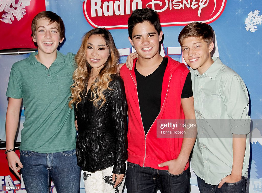 Jon Klaasen, <a gi-track='captionPersonalityLinkClicked' href=/galleries/search?phrase=Jessica+Sanchez&family=editorial&specificpeople=4373400 ng-click='$event.stopPropagation()'>Jessica Sanchez</a>, Emery Kelly and Ricky Garcia of Forever In Your Mind attend the tree lighting ceremony at Hollywood & Highland Center on November 14, 2013 in Hollywood, California. (Photo by Tibrina Hobson/Getty Images)Jon Klaasen, Emery Kelly, Ricky Garcia