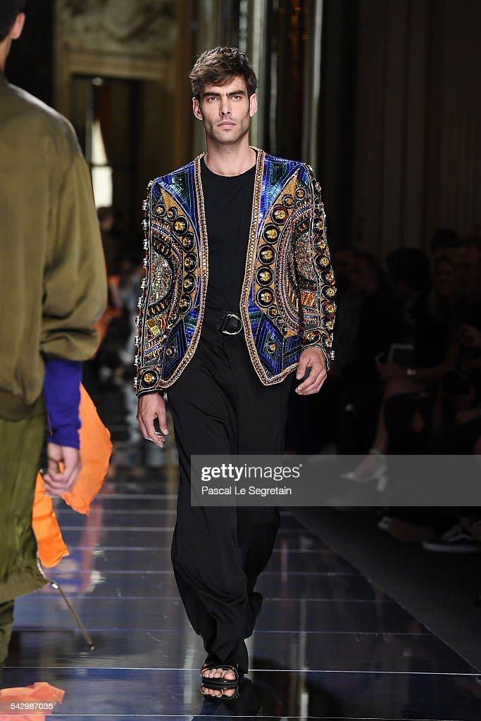 Jon Kortajarena walks the runway during the Balmain Menswear Spring/Summer 2017 show as part of Paris Fashion Week on June 25 2016 in Paris France