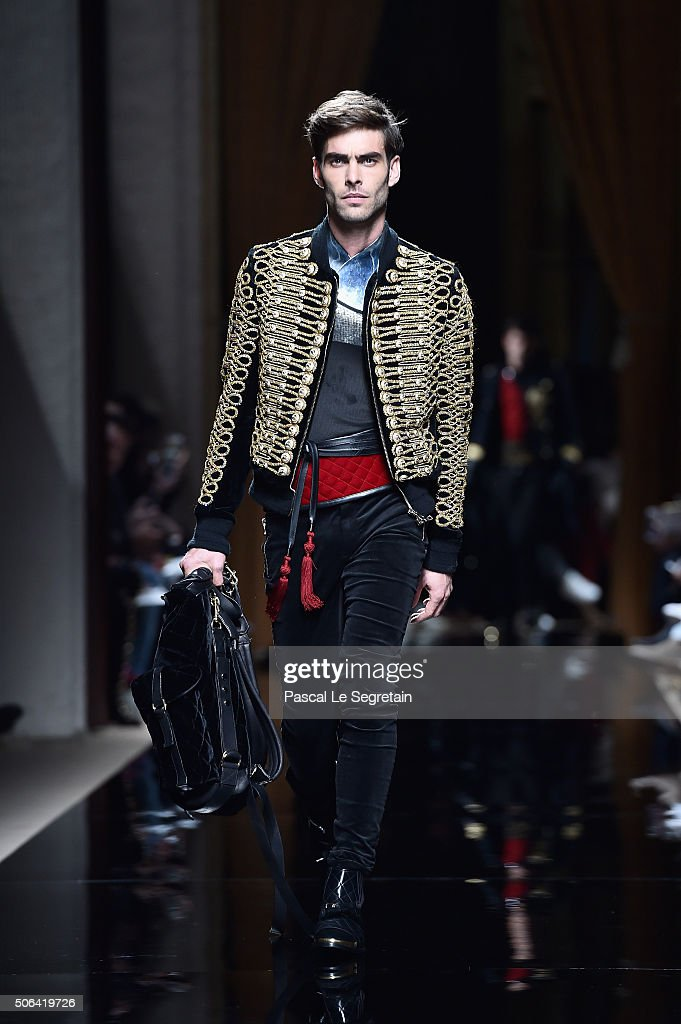 Jon Kortajarena walks the runway during the Balmain Menswear Fall/Winter 20162017 show as part of Paris Fashion Week on January 23 2016 in Paris...