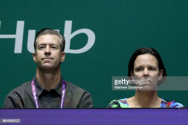 Jon Leach and Lindsay Davenport watch Venus Williams of the United States play Karolina Pliskova of Czech Republic during day 1 of the BNP Paribas...