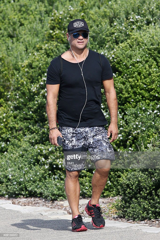 <a gi-track='captionPersonalityLinkClicked' href=/galleries/search?phrase=Jon+Stevens+-+Cantante&family=editorial&specificpeople=13895181 ng-click='$event.stopPropagation()'>Jon Stevens</a> enjoys a solo coastal walk on February 9, 2016 in Sydney, Australia.