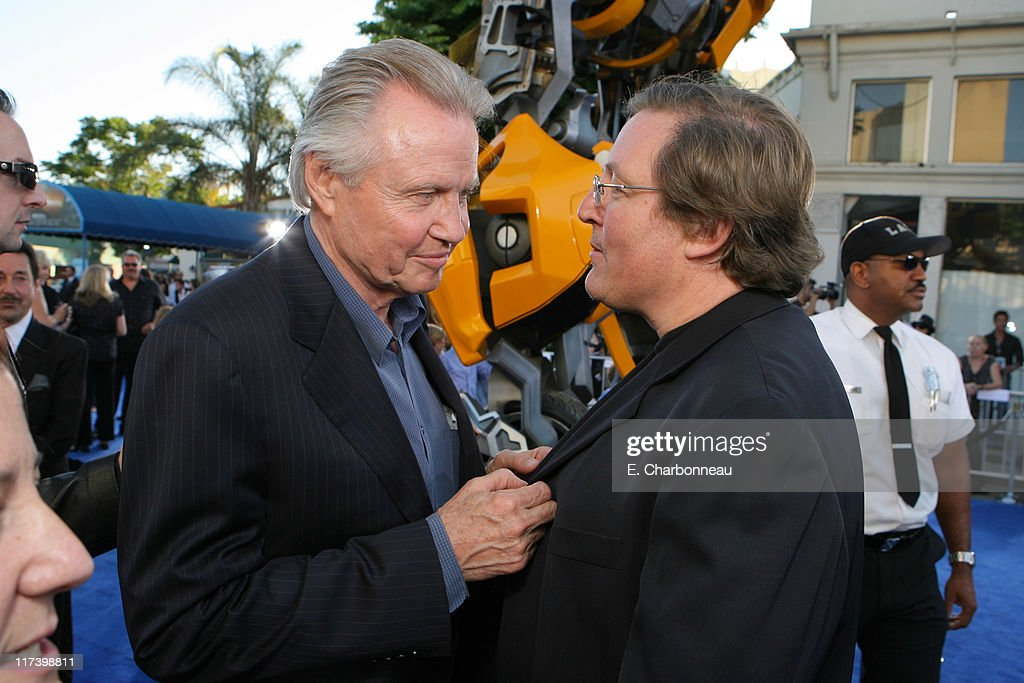 Jon Voight and Producer Lorenzo Di Bonaventura during DreamWorks Pictures and Paramount Pictures Los Angeles Premiere of 'Transformers' at Mann's...