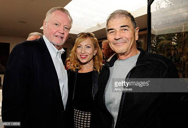 Jon Voight Denise Grayson and Robert Forster attend a special luncheon for Kevin Costner and Mike Binder hosted by Colleen Camp for the film BLACK OR...