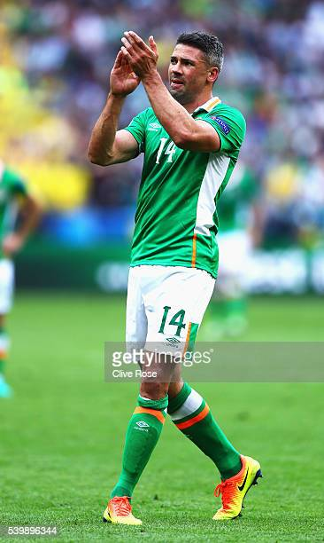 Jon Walters of Republic of Ireland applauds the supporters as he walks off the pitch after replaced during the UEFA EURO 2016 Group E match between...