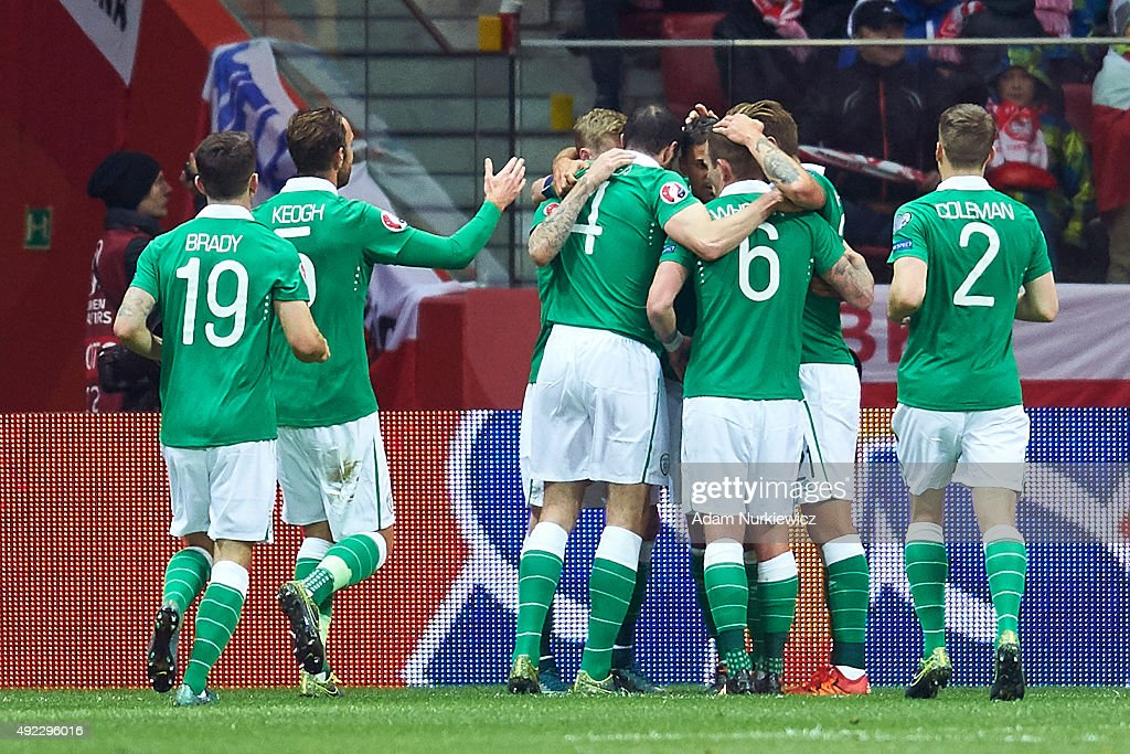 Jon Walters of Republic of Ireland celebrates with team mates after scoring during the UEFA EURO 2016 qualifying match between Poland and Republic of...