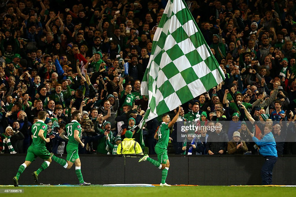 Jon Walters #14 of the Republic of Ireland celebrates after scoring the opening goal from the penalty spot during the UEFA EURO 2016 Qualifier play off, second leg match between Republic of Ireland and Bosnia and Herzegovina at the Aviva Stadium on November 16, 2015 in Dublin, Ireland.