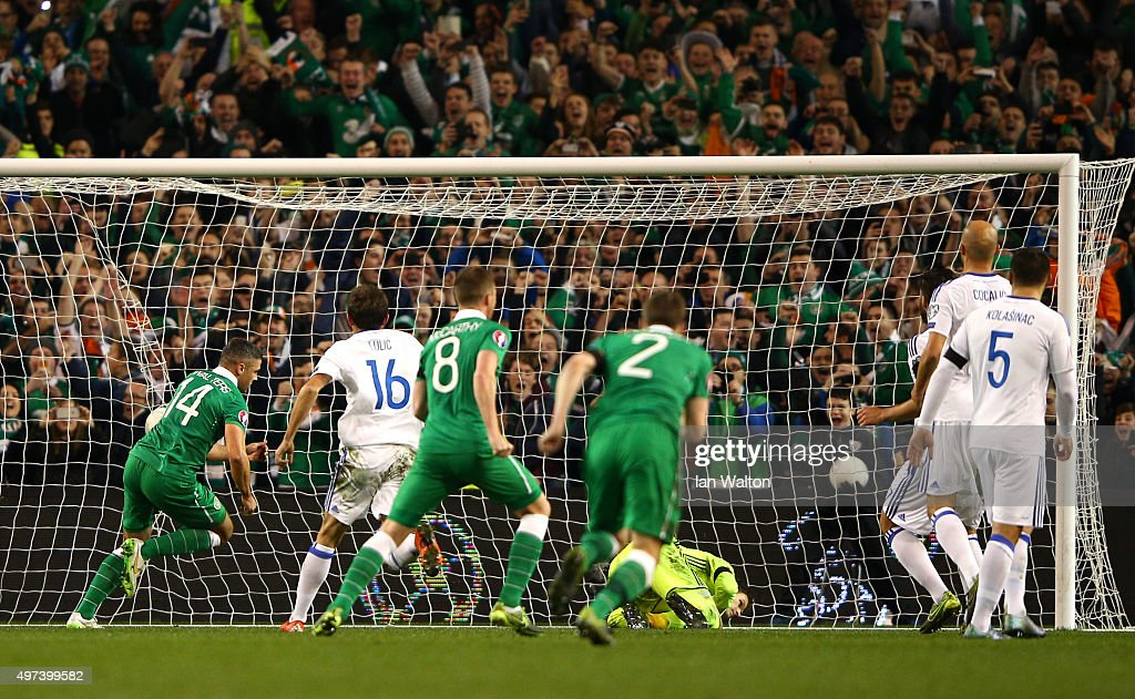 Jon Walters #14 (R) of the Republic of Ireland scores the opening goal from the penalty spot during the UEFA EURO 2016 Qualifier play off, second leg match between Republic of Ireland and Bosnia and Herzegovina at the Aviva Stadium on November 16, 2015 in Dublin, Ireland.