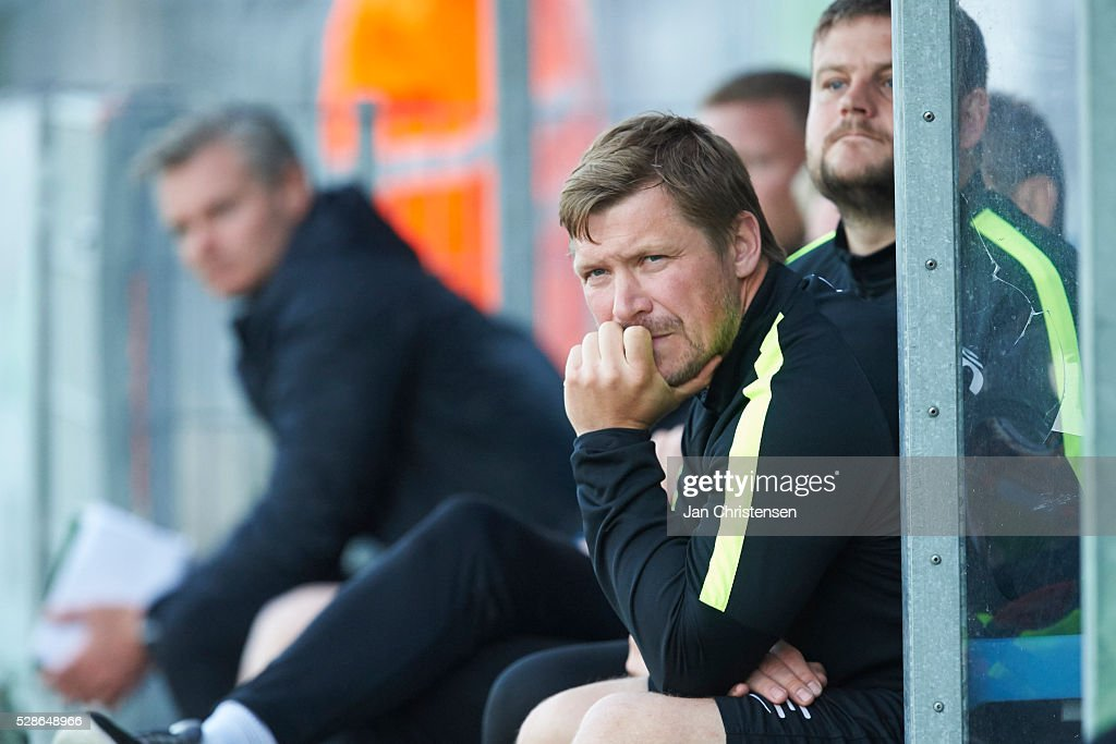 Jonas Dal, head coach of Esbjerg fB looks dejected after the Danish Alka Superliga match between SonderjyskE and Esbjerg fB at Sydbank Park on May 06, 2016 in Haderslev, Denmark.