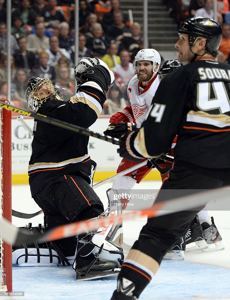 Jonas Hiller #1 of the Anaheim Ducks reacts to the shot of Henrik Zetterberg #40 of the Detroit Red Wings during the second period in Game One of the Western Conference Quarterfinals during the 2013 Stanley Cup Playoffs at Honda Center on April 30, 2013 in Anaheim, California.