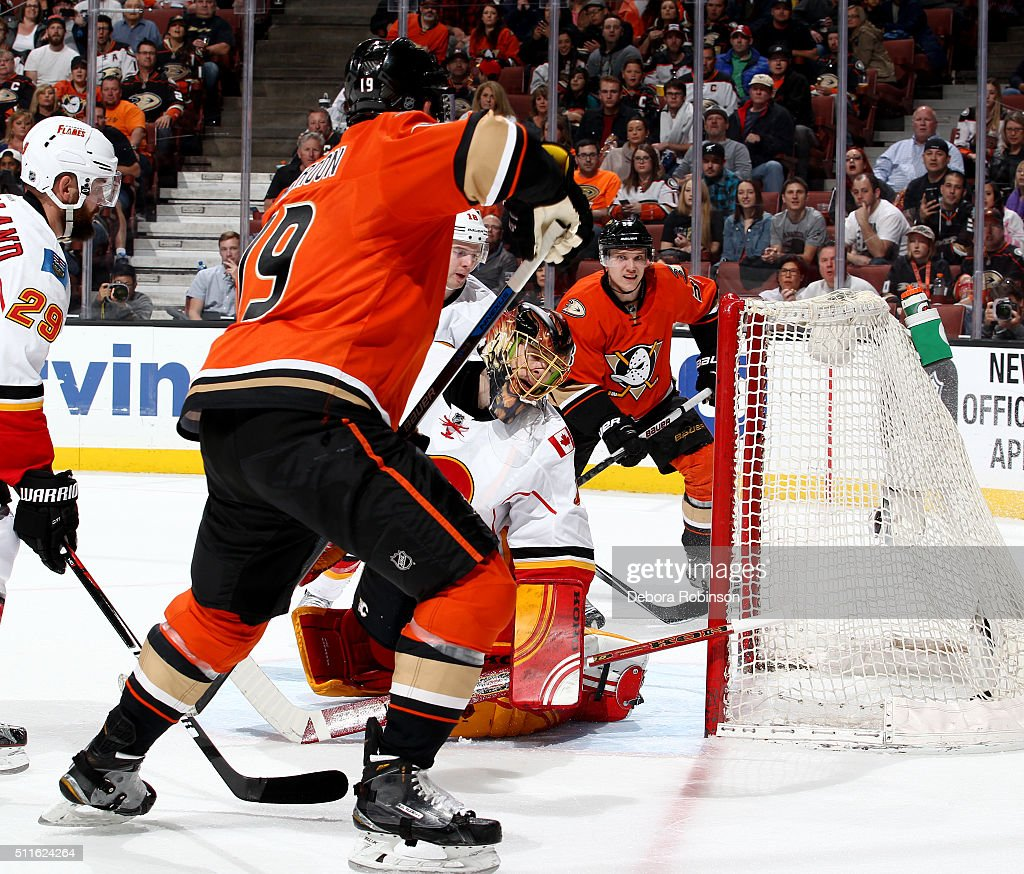 Jonas Hiller #1 of the Calgary Flames can't stop the shot on goal by Patrick Maroon #19 of the Anaheim Ducks on February 21, 2016 at Honda Center in Anaheim, California. Maroon scored in the first period on the play.