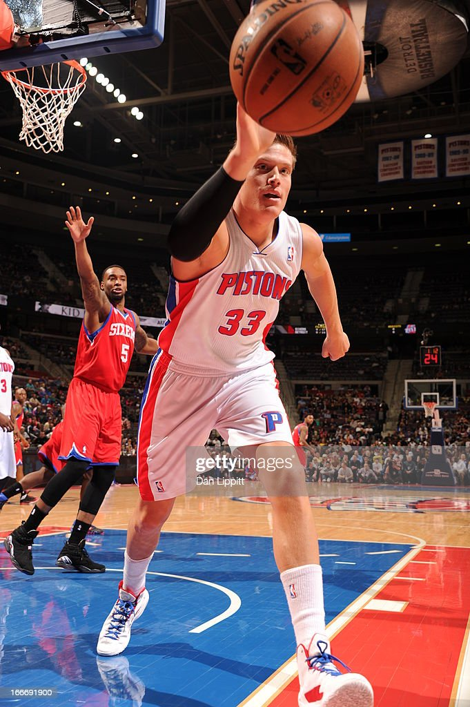 Jonas Jerebko #33 of the Detroit Pistons handles the ball during the game between the Detroit Pistons and the Philadelphia 76ers on April 15, 2013 at The Palace of Auburn Hills in Auburn Hills, Michigan.