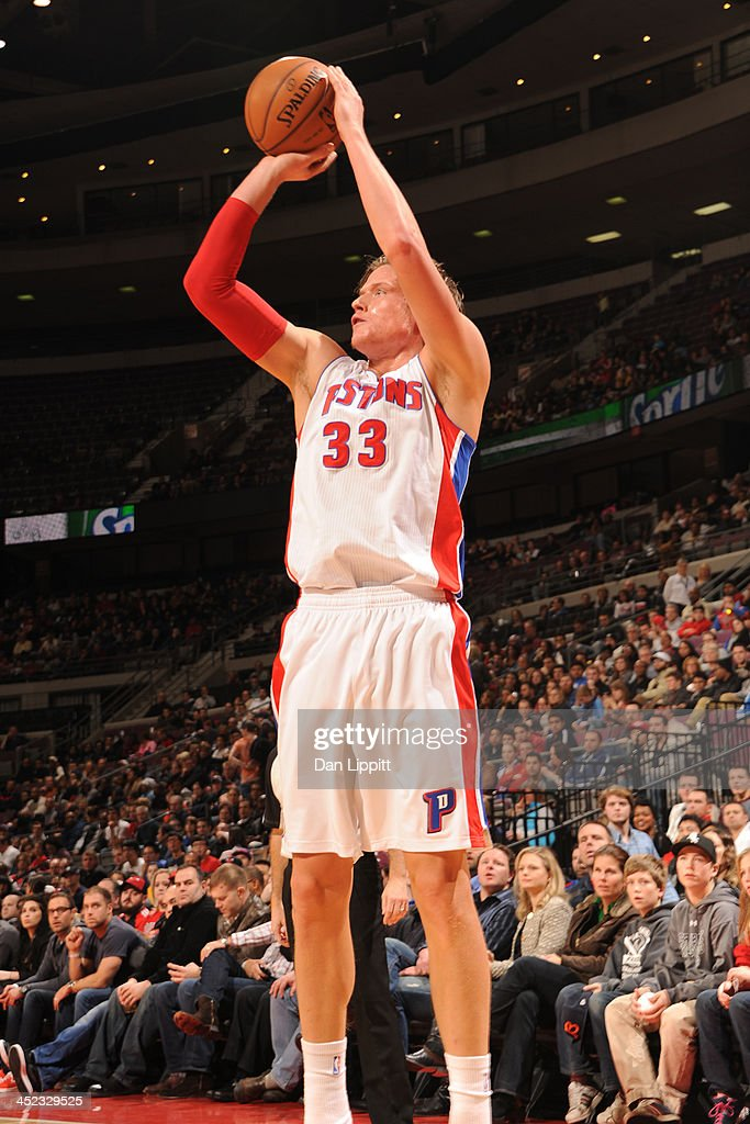 Jonas Jerebko #33 of the Detroit Pistons shoots the ball against the Chicago Bulls on November 27, 2013 at The Palace of Auburn Hills in Auburn Hills, Michigan.