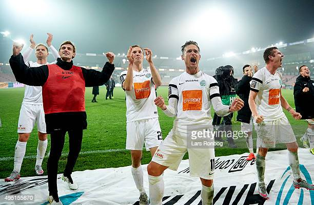 Jonas Kamper of Viborg FF and teammates celebrate their victory after the Danish Alka Superliga match between FC Midtjylland and Viborg FF at MCH...