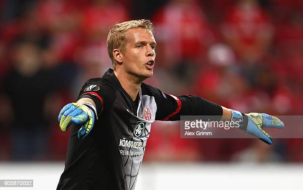 Jonas Lossl of FSV Mainz 05 looks on during the UEFA Europa League Group C match between 1 FSV Mainz 05 and AS SaintEtienne at Opel Arena on...