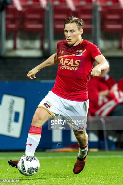Jonas Svensson of AZ during the Dutch Eredivisie match between AZ Alkmaar and Willem II Tilburg at AFAS stadium on November 04 2017 in Alkmaar The...