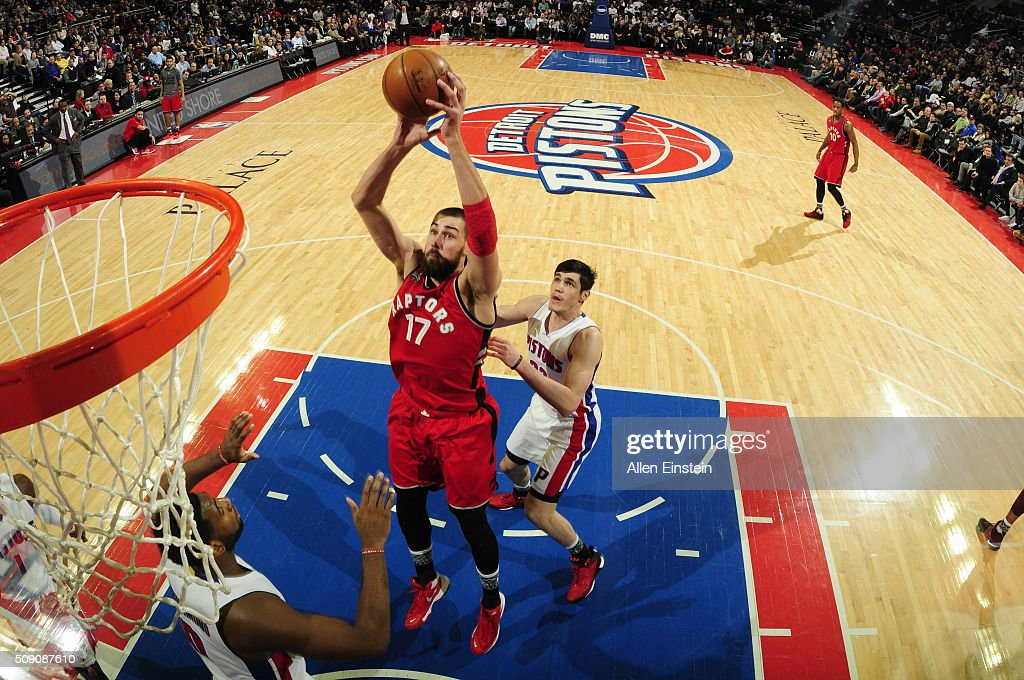Jonas Valanciunas #17 of the Toronto Raptors goes to the basket against the Detroit Pistons on February 8, 2016 at The Palace of Auburn Hills in Auburn Hills, Michigan.