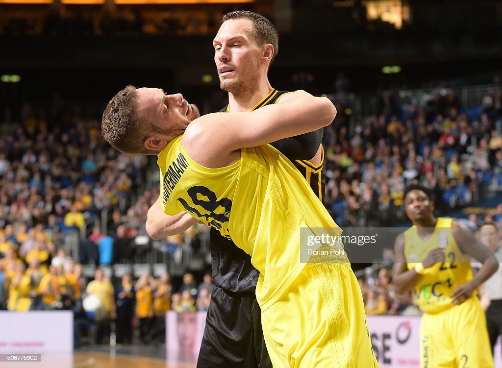 Jonas Wohlfarth-Bottermann of ALBA Berlin and Adam Waleskowski of the MHP Riesen Ludwigsburg during the game between Alba Berlin and the MHP Riesen Ludwigsburg on february 6, 2016 in Berlin, Germany.