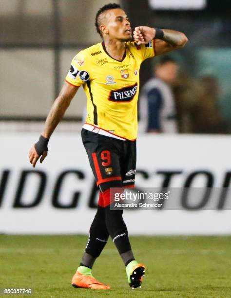 Jonatan Alvez of Barcelona de Guayaquil celebrates their first goal during the match between Santos and Barcelona de Guayaquil for the Copa...