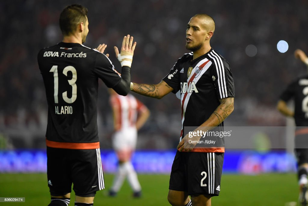Jonatan Maidana of River Plate celebrates with teammate Lucas Alario after scoring the third goal of his team during a match between River Plate and Instituto as part of round 16 of Copa Argentina 2017 at Jose Maria Minella Stadium on August 20, 2017 in Mar del Plata, Argentina.