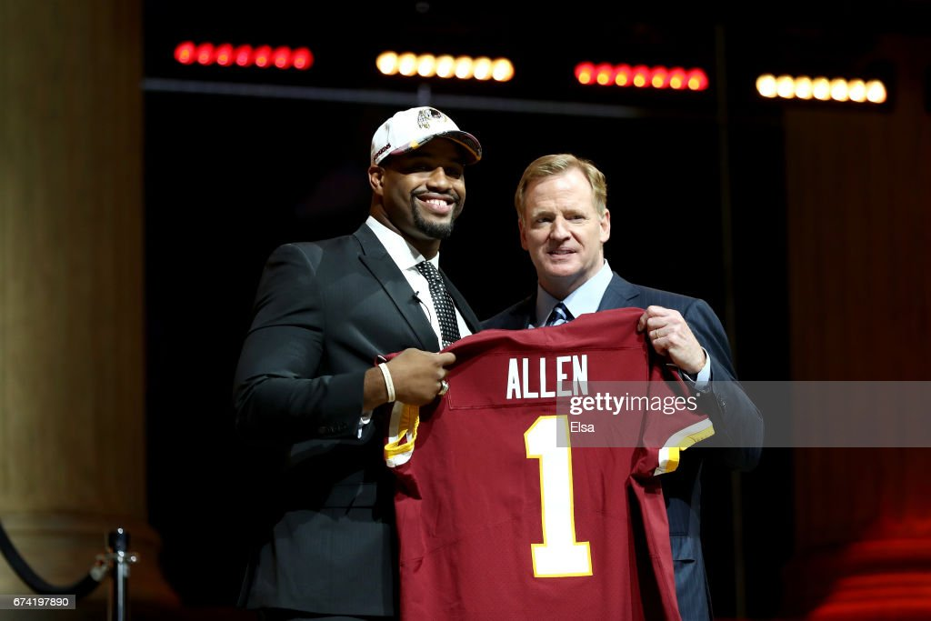 Jonathan Allen of Alabama poses with Commissioner of the National Football League Roger Goodell after being picked #17 overall by the Washington Redskins during the first round of the 2017 NFL Draft at the Philadelphia Museum of Art on April 27, 2017 in Philadelphia, Pennsylvania.
