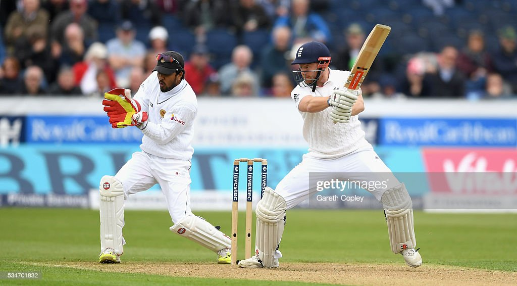 <a gi-track='captionPersonalityLinkClicked' href=/galleries/search?phrase=Jonathan+Bairstow&family=editorial&specificpeople=6893210 ng-click='$event.stopPropagation()'>Jonathan Bairstow</a> of England bats during day one of the 2nd Investec Test match between England and Sri Lanka at Emirates Durham ICG on May 27, 2016 in Chester-le-Street, United Kingdom.