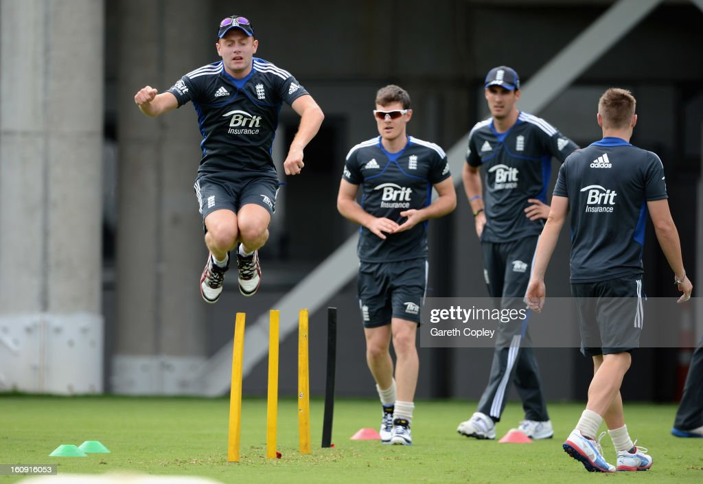 <a gi-track='captionPersonalityLinkClicked' href=/galleries/search?phrase=Jonathan+Bairstow&family=editorial&specificpeople=6893210 ng-click='$event.stopPropagation()'>Jonathan Bairstow</a> warms up during an England nets session at Eden Park on February 8, 2013 in Auckland, New Zealand.