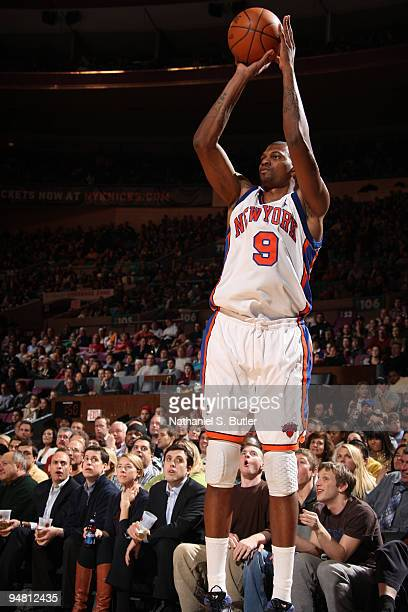 Jonathan Bender of the New York Knicks shoots against the Los Angeles Clippers on December 18 2009 at Madison Square Garden in New York City NOTE TO...