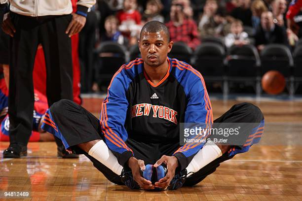 Jonathan Bender of the New York Knicks stretches before game against the Los Angeles Clippers on December 18 2009 at Madison Square Garden in New...