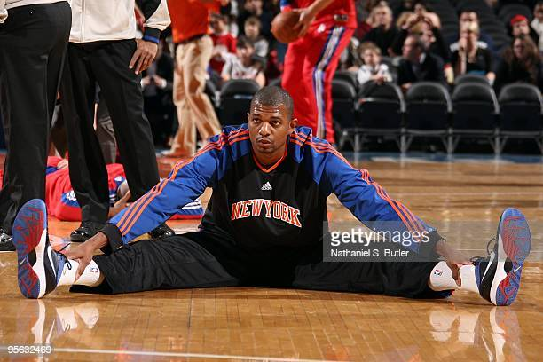 Jonathan Bender of the New York Knicks warms up prior to the game against the Los Angeles Clippers on December 18 2009 at Madison Square Garden in...