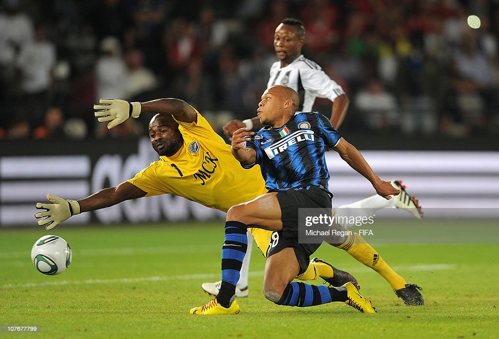<a gi-track='captionPersonalityLinkClicked' href=/galleries/search?phrase=Jonathan+Biabiany&family=editorial&specificpeople=5973634 ng-click='$event.stopPropagation()'>Jonathan Biabiany</a> of FC Internazionale Milano scores to make it 3-0 during the FIFA Club World Cup Final between TP Mazembe Englebert and FC Internazionale Milano at Zayed Sports City on December 18, 2010 in Abu Dhabi, United Arab Emirates.