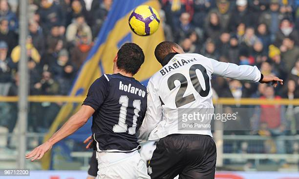 Jonathan Biabiany of Parma competes with Aleksandar Kolarov of Lazio during the Serie A match between Parma FC and SS Lazio at Stadio Ennio Tardini...