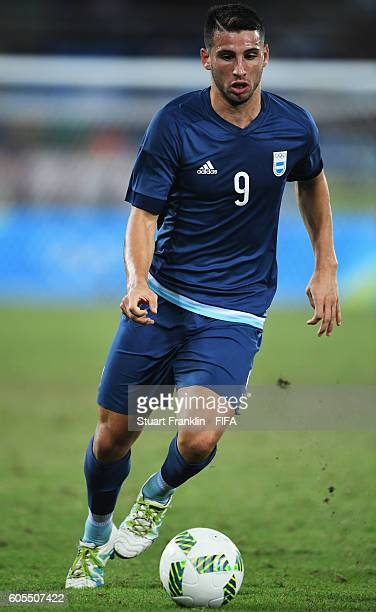 Jonathan Calleri of Argentina in action during the Olympic Men's Football match between Argentina and Algeria at Olympic Stadium on August 7 2016 in...
