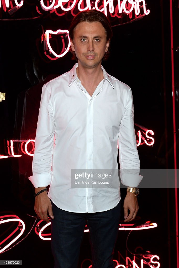 <a gi-track='captionPersonalityLinkClicked' href=/galleries/search?phrase=Jonathan+Cheban&family=editorial&specificpeople=538047 ng-click='$event.stopPropagation()'>Jonathan Cheban</a> attends Dom Perignon with Alex Dellal, Stavros Niarchos, and Vito Schnabel Present Dom Perignon Limited Edition by Jeff Koons at Wall at W Hotel on December 5, 2013 in Miami Beach, Florida.