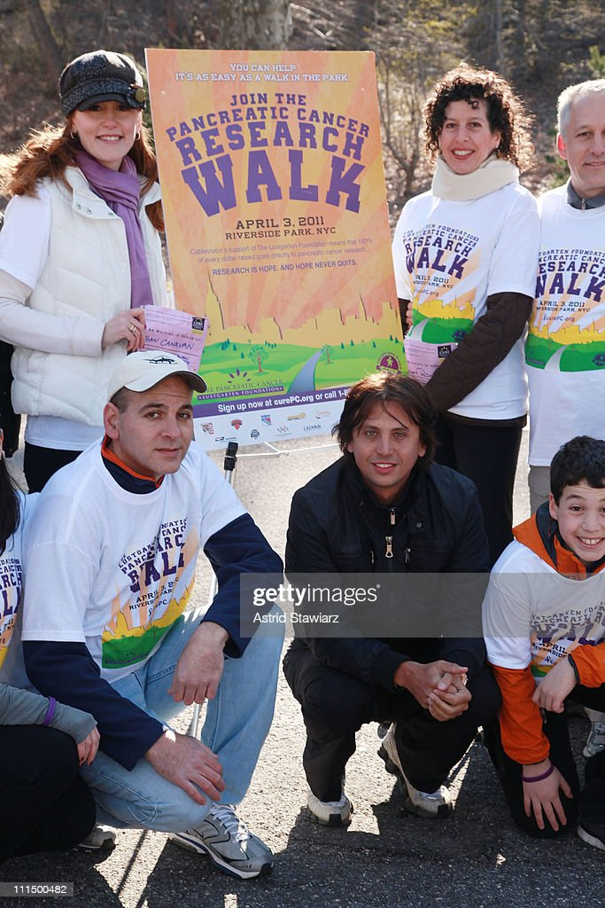 <a gi-track='captionPersonalityLinkClicked' href=/galleries/search?phrase=Jonathan+Cheban&family=editorial&specificpeople=538047 ng-click='$event.stopPropagation()'>Jonathan Cheban</a> (C) leads the 2011 Lustgarten Foundation's NY Pancreatic Cancer Research Walk at Riverside Park on April 3, 2011 in New York City.