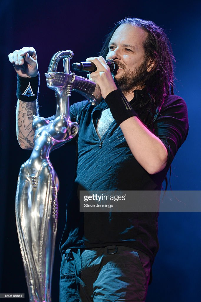 <a gi-track='captionPersonalityLinkClicked' href=/galleries/search?phrase=Jonathan+Davis&family=editorial&specificpeople=221592 ng-click='$event.stopPropagation()'>Jonathan Davis</a> of Korn performs on Day 1 of Monster Energy Aftershock Festival at Discovery Park on September 14, 2013 in Sacramento, California.