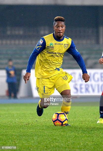 Jonathan De Guzman of AC ChievoVerona in action during the Serie A match between AC ChievoVerona and Bologna FC at Stadio Marc'Antonio Bentegodi on...