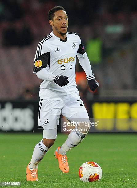 Jonathan De Guzman of Swansea City celebrates afte scoring the goal 11 during the UEFA Europa League Round of 32 match between SSC Napoli and Swansea...