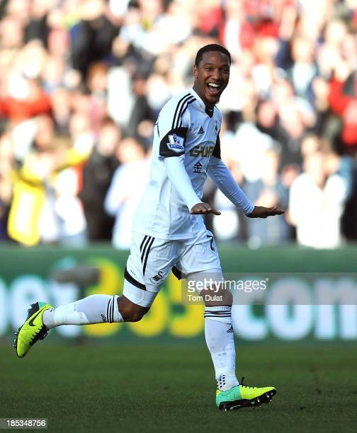 Jonathan de Guzman of Swansea City celebrates his goal during the Barclays Premier League match between Swansea City and Sunderland at Liberty...